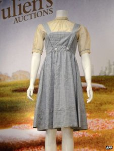 Judy-Garland's-dress-worn-in-the-Wizard-of-Oz-has-sold-for-480000-at-auction-in-Beverly-Hills