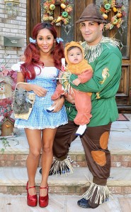 rs_634x1024-131024161447-634.snooki-jionni-lorenzo-wizard-of-oz-halloween