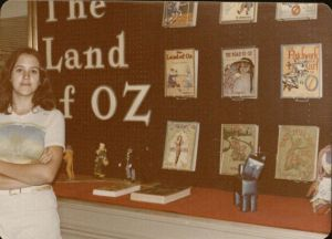 Jane-Albright-in-front-of-Oz-exhibit-at-KSRL-1977