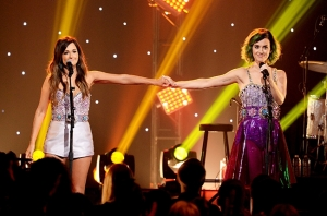 kacey-musgraves-katy-perry-perform-2014-billboard-650